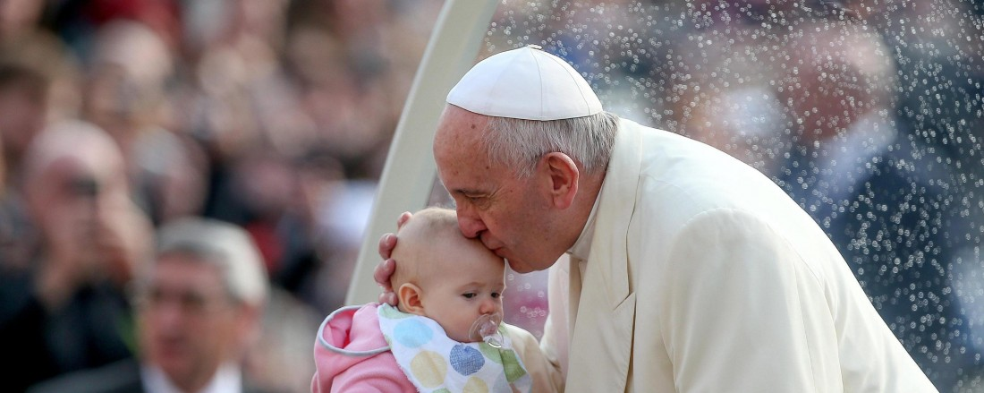 epa05249043 (FILE) A file picture dated 16 March 2016 shows Pope Francis kissing a baby's forehead during the Wednesday general audience in St Peter Square of the Vatican City, Vatican. The apostolic exhortation on family called 'Amoris Laetitia' (The Joy of Love) is to be published by Pope Francis on 08 April 2016. The release is summarising the outcomes of the Family Synod and is widely anticipated.  EPA/ALESSANDRO DI MEO